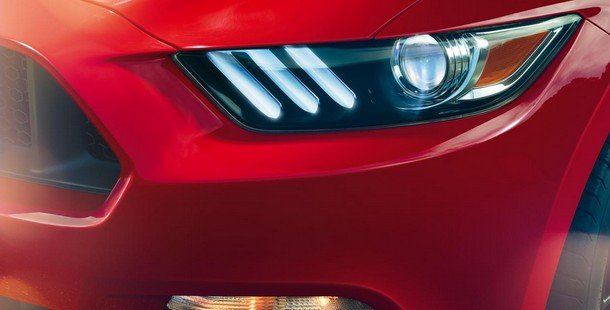 2015-ford-mustang-gt-headlight