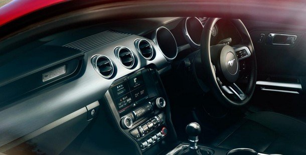 2015-ford-mustang-gt-interior-photo