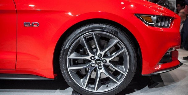 2015-ford-mustang-gt-photo4