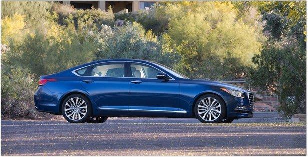 2015-Hyundai Genesis Side