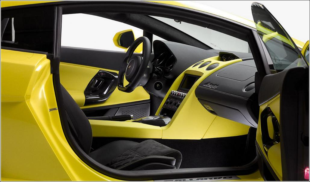 2013 Lamborghini Gallardo LP560-4 Interior
