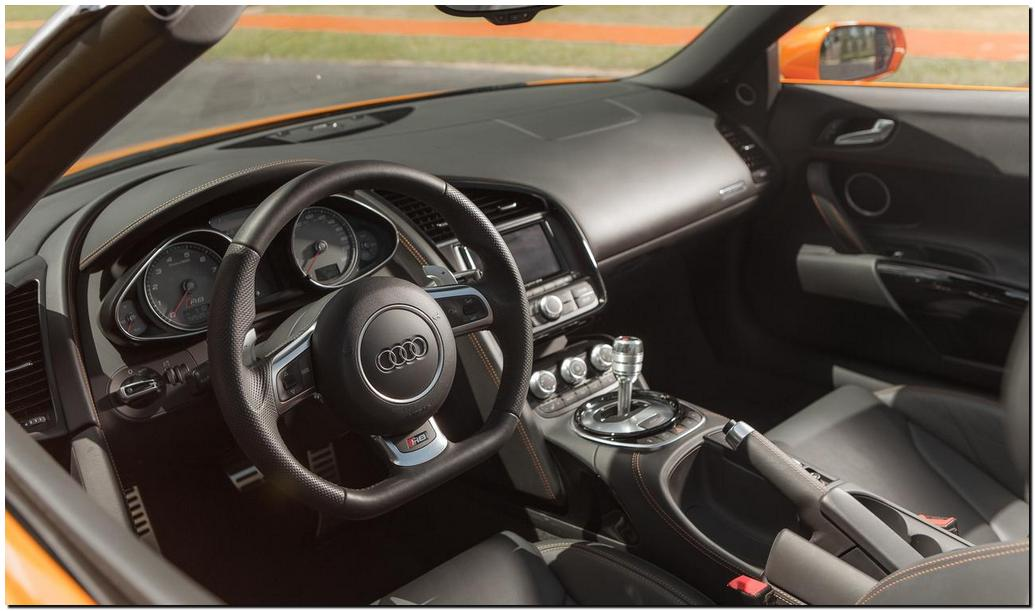2014 Audi R8 Spyder  Interior