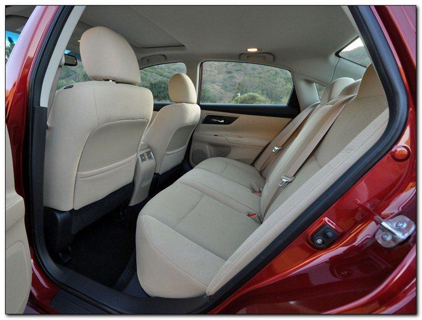 Nissan Altima 2014 Cabin