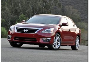 Nissan Altima 2014 Front Side